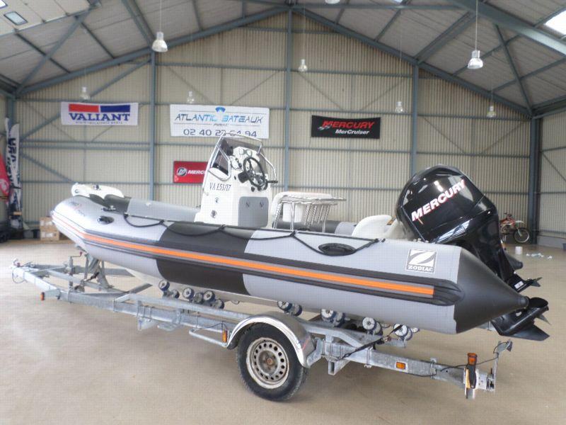 zodiac pro open 550 bateau moteur d 39 occasion lemerle. Black Bedroom Furniture Sets. Home Design Ideas